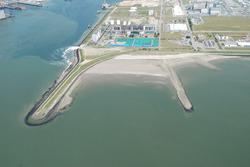 Luchtfoto oostelijke havendam Vlissingen-Oost.