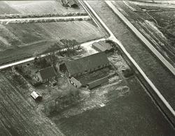 Serie boerderijen havengebied Vlissingen-Oost  Nic. Hoondertweg 11,...