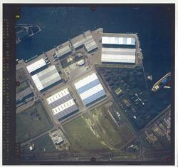 Verticale luchtfoto havengebied Terneuzen. Ter hoogte van de...