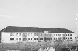 Kantoor van bouwmaterialenhandel De Hoop aan de Duitslandweg.