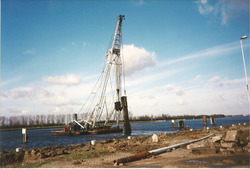 Aanleggen Ro-Ro I kade in de Zevenaarhaven te Terneuzen.