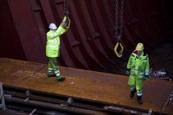 Lossen van een schip bij Verbrugge Terminals