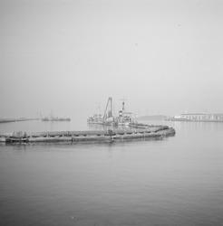 Baggerwerkzaamheden ter hoogte van de Zevenaarhaven.