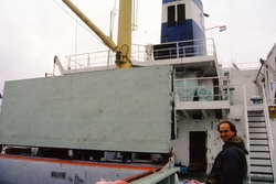 Zeeschip met open ruim in de haven van Vlissingen-Oost.