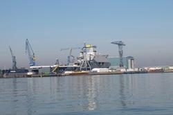 Marineschip in aanbouw bij scheepswerf Scheldepoort.