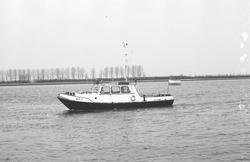 Peilboot H.T. 1 op het kanaal Gent-Terneuzen.