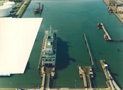 Luchtfoto van het aanlegsteiger van de Olau Line in de Buitenhaven te...