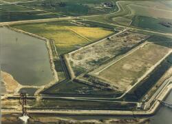 Luchtfoto van het aanleggen van de Westhofhaven te Vlissingen-Oost.