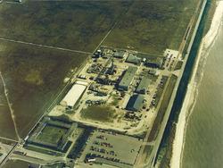 Luchtfoto terrein M&T Chemicals aan de Europaweg te Vlissingen-Oost.