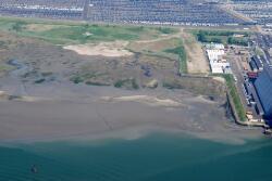 Luchtfoto van Vlissingen-Oost met op de achtergrond Cobelfret en...
