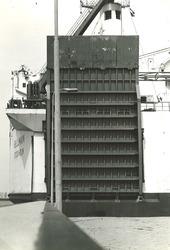 Klep van het ro-ro schip Bellman aan de ro-ro kade in de...
