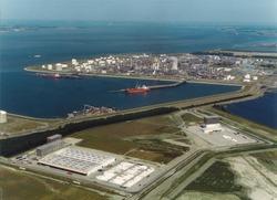 Luchtfoto logistiek park Braakmanpolder, Braakmanhaven en Dow...