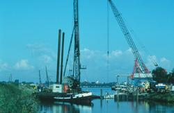 Werkzaamheden aan de noordkant van Zijkanaal C naar de Axelse Sassing.