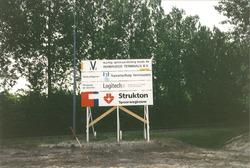 Bouwbord aanleggen van een spooraansluiting naar de nieuw gebouwde...