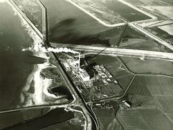 Gereedliggende perskaden voor het stort Provinciale weg-Moolweg....