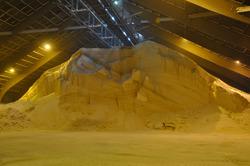 Opslag van witte bulk bij Verbrugge Terminals in Terneuzen.