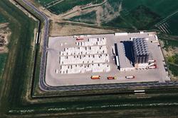Luchtfoto Vos Logistics in het Valuepark Terneuzen.