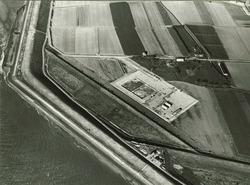 Luchtfoto aanleg steiger in de Westerschelde van Total Raffinaderij te...