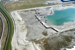 Luchtfoto Vlissingen-Oost van de aanleg van de Scaldiahaven, 2e fase,...