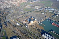 Buitenhaven Vlissingen met Sorteerbedrijf Vlissingen (SBV). Linksboven...