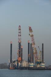 Werkschepen in de Westhofhaven te Vlissingen-Oost.