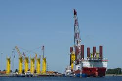 Werkschip in de Westhofhaven.