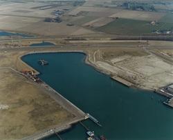 Westhofhaven met in aanbouw zijnde kade voor Sealake.