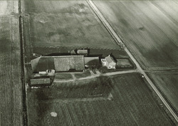 Serie boerderijen havengebied Vlissingen-Oost  Schelpkreekweg 2,...