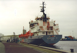 Zeeschip aan de kade bij Hydro Agri te Sluiskil. Foto gemaakt ten...