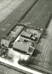 Serie boerderijen havengebied Vlissingen-Oost  Hertenweg 89,...