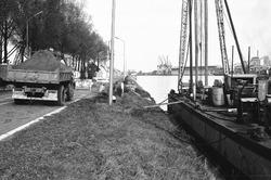Vernieuwen van een damwand aan de westzijde van Zijkanaal B te...