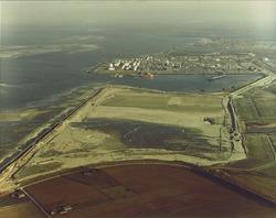 Luchtfoto Braakmanhaven en recentelijk ingedijkte Mosselbanken