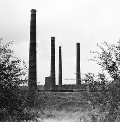 Ruine en overblijfselen van de voormalige staalfabriek ter hoogte van...