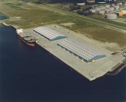Luchtfoto Scaldiahaven met Verbrugge Terminals te Vlissingen-Oost.