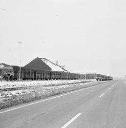 Wagons bij de terminal van Ovet aan de Massagoedhaven.