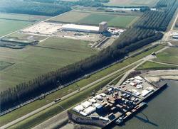 Luchtfoto Zeeland Container Terminal en logistiek park Braakmanpolder.