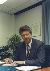 drs. J.M.H.G. Philippen, directeur van het Havenschap Vlissingen en...