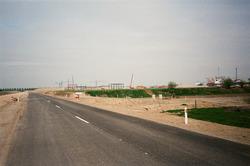Nieuw aangelegde Finlandweg naar de Axelse Vlakte. Op de achtergrond...