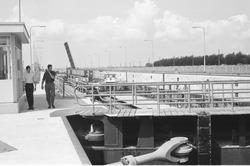 Nieuwe binnenvaartsluis, oostsluis bij Terneuzen.