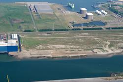 Luchtfoto van Vlissingen-Oost van de Scaldiahaven met rechts Techno...