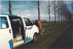 Het doen van landmetingen door Witteveen en Bos, waarschijnlijk op de...