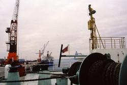 Aan boord van een zeeschip in de haven van Vlissingen-Oost. Op de kade...