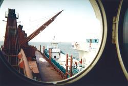 Boord-boord overslag. Foto gemaakt ten behoeve van het Port Handbook,...