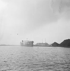 Libertyschip in de Massagoedhaven.