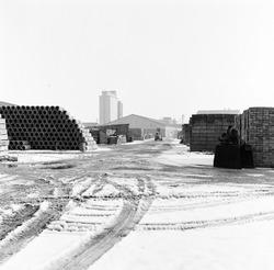 Opslag betonnen stenen en rioolbuizen bij Fassaert Beton op de Axelse...