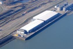 Luchtfoto kade Finsa aan de Buitenhaven te Vlissingen.