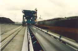 Kolentransportband PZEM bij Kaloothaven.