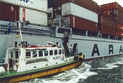 Beloodsing van een zeeschip op de Westerschelde door het Nederlands...