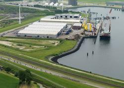 Wielerronde Ronde van Zeeland Seaports. Passage van de Westhofhaven.