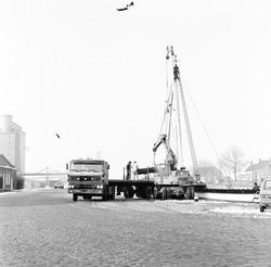 Overslagwerkzaamheden in zijkanaal C bij de Axelse Sassing.